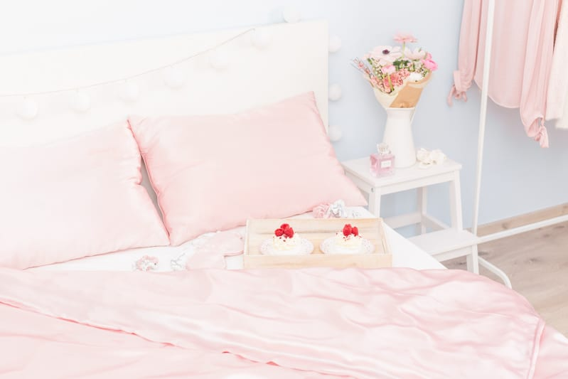 postelne hodvabne pradlo